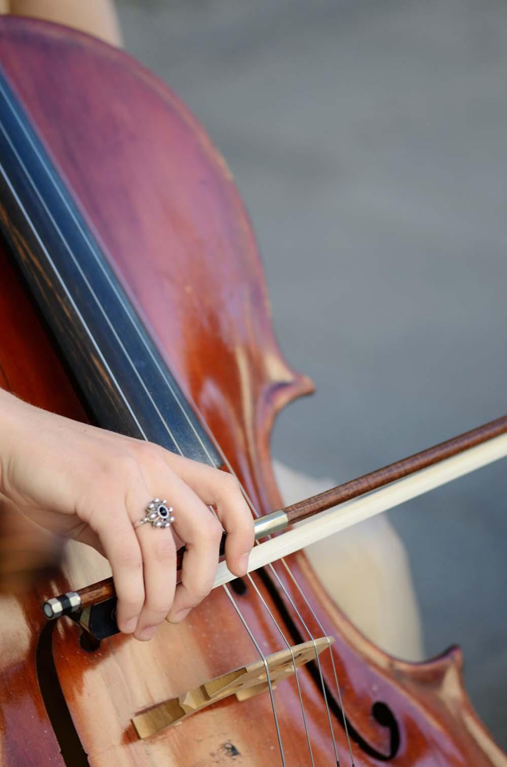 cellist-cello-classical-music-37719